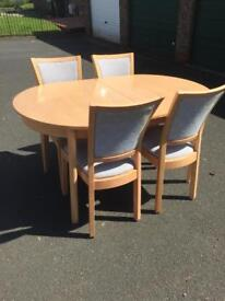 Table x4 chairs