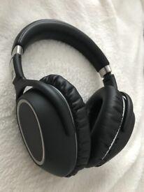 Sennhaiser PXC 550 Bluetooth one of the best Noise cancellation headphones