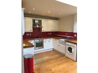 Beautiful double rooms available for rent in Hampton