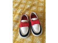 Lacoste shoes size 4