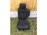 Land rover discovery td5 seat