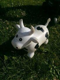 Cow space hopper