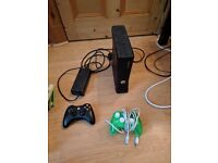 Xbox 360 250GB 2 controllers 17 full version games