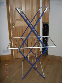 CLOTHES AIRER HORSE DRYER