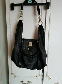 New lardge blk Guess bag