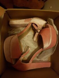 Size 8 pink suede heels *BRAND NEW*