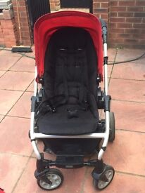 REDUCED TO £70.00 MAMAS AND PAPAS TRAVEL SYSTEM