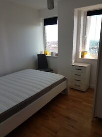 double room with en suite for rent