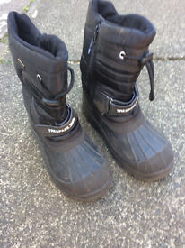 Trespass boots size 3