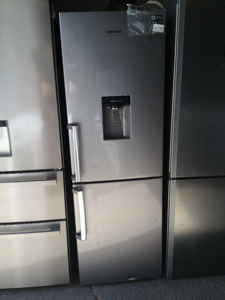 samsung rb29fwjndsa fridge freezer silver in waterbeach cambridgeshire gumtree. Black Bedroom Furniture Sets. Home Design Ideas