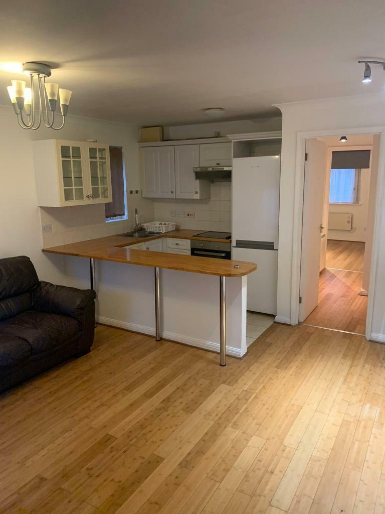 One Bedroom Flat Located In The Heart Of Finchley Central