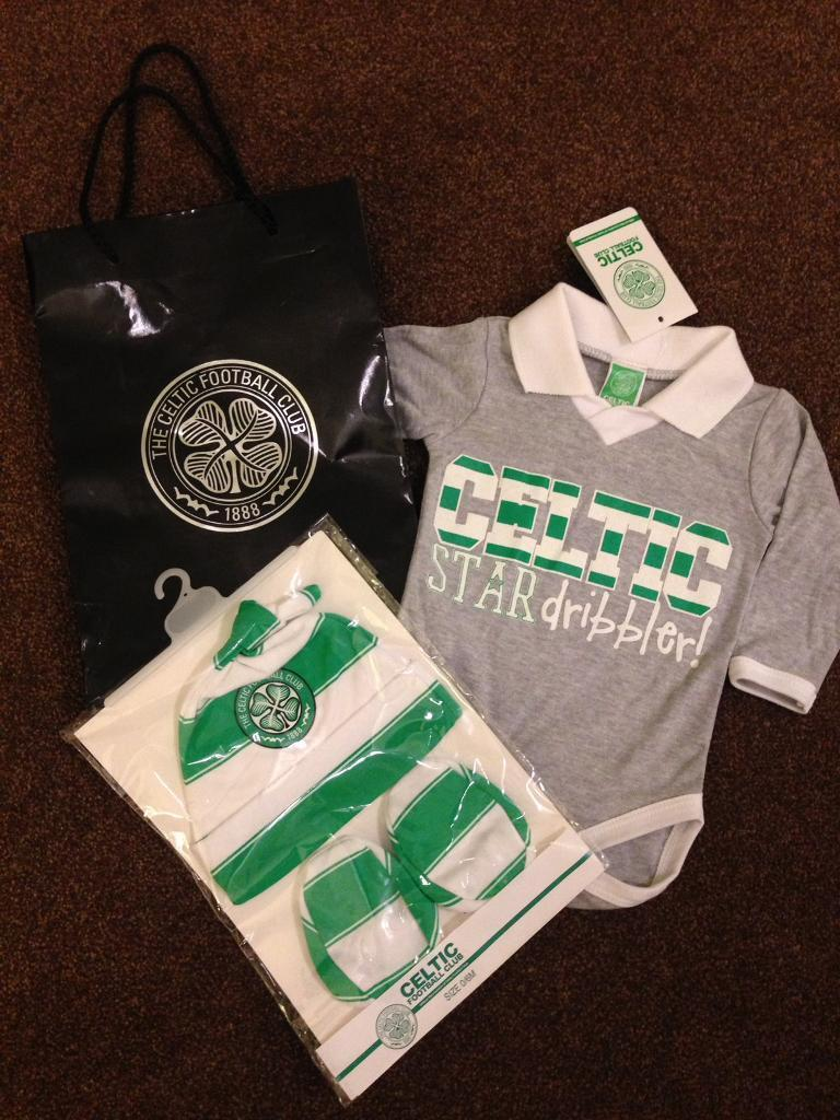 BRAND NEW Celtic Baby Top & Accessories Size 0-6 Months