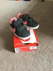 Nike infant girls Trainers