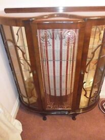 BEAUTIFUL ANTIQUE PERIOD BOW FRONT DISPLAY CABINET