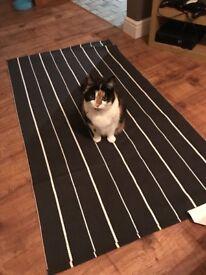 SOFTEN black/white rug - anti-slip (cat not included)