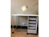 Manicure Trolley including lamp