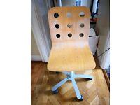 Solid beechwood swivel chair