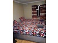 LEYTON - MODERN TWIN ROOM LOCATED AT GRANDE PARK RD. PRICE DISCOUNTED