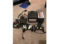 Gamecube, 5 Games, 2 controllers and memory card