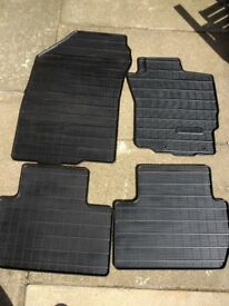 Mitsubishi Outlander genuine rubber car mat set