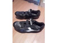 DIADORA CYCLING SHOES.