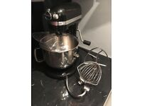 Kitchenaid 6.9L mixer - bowl lift design, excellent condition