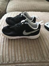 Nike unisex trainers
