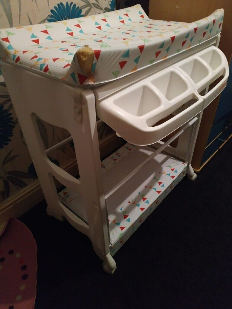 Awe Inspiring Baby Changing Table In Oldham Manchester Gumtree Download Free Architecture Designs Embacsunscenecom