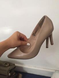 Pink nude heels size 3