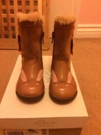 Clarks boots 4.5 F