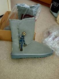 UGG brand-new shoes size 7