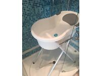Selling Tippitoes Bath tub + Stand