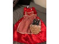 Red riding hood dress up