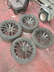 285 35 22 Range Rover alloys
