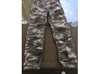 Gap camouflage cargo pants age 10-11