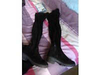 NEW LOOK BLACK FAUX SUEDE OVER THE KNEE BOOTS.