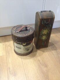 2x wooden decorative boxes