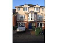 Split level apartment with parking off Eastern Road