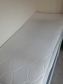 Single divan bed with airspring memory matress