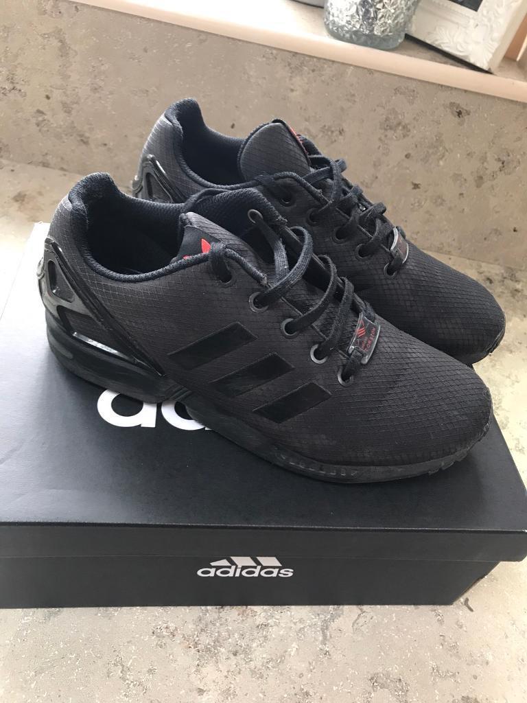 Boys adidas torsion trainers size 4 junior