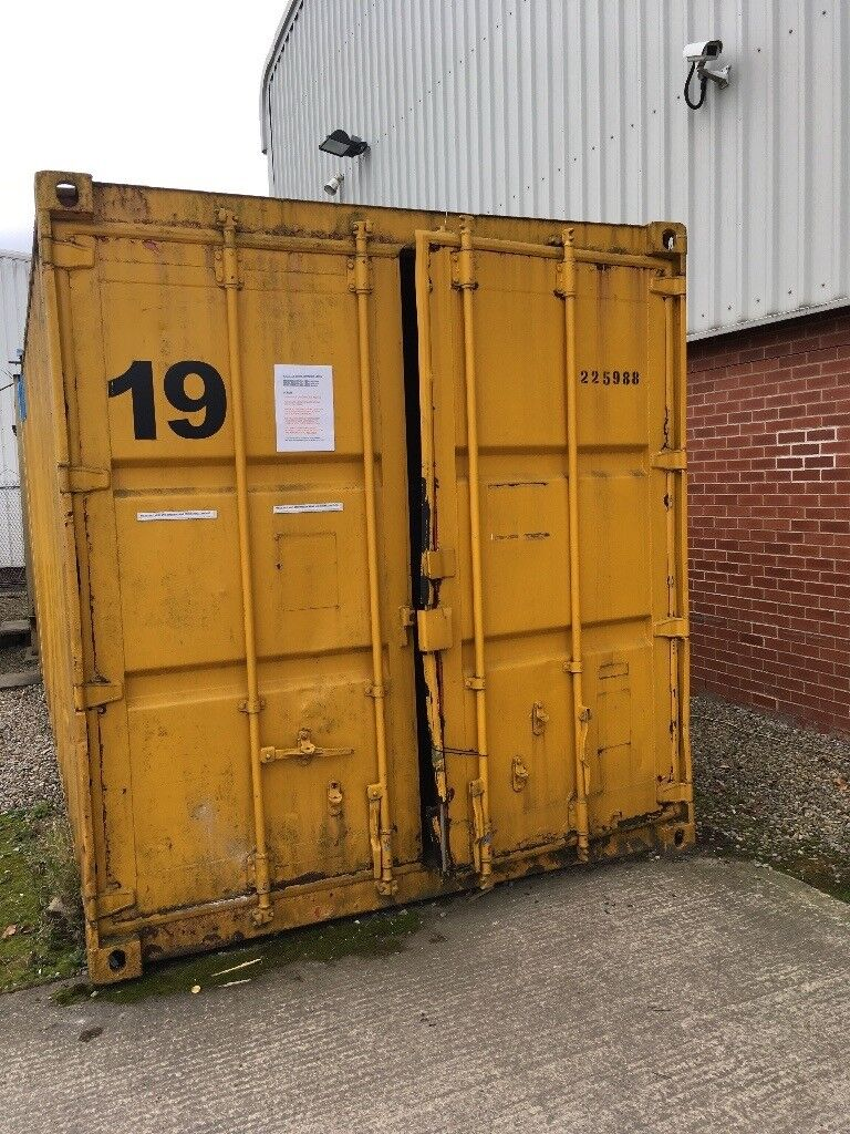 FOR SALE LARGE 20 FT SHIPPING CONTAINER   in York, North ...