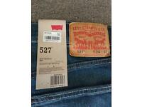 Brand New Genuine Men's Levi 527 slim boot cut jeans 34w 32l