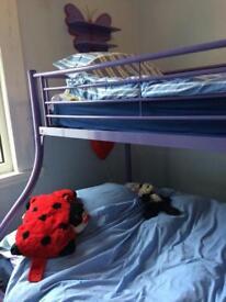 Bunk bed sleeps 3