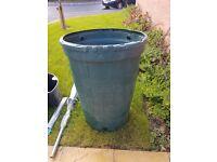 Water Butt Tank Garden Outdoor Rain Barrel Storage Plastic and Arm Outdoor Dryer £20 Both