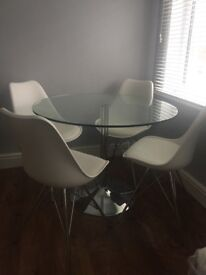 Gorgeous Barker & Stonehouse Glass Dining arable & 4 Chairs