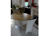 Circular Kitchen/Dining Room Table and 2no Chairs