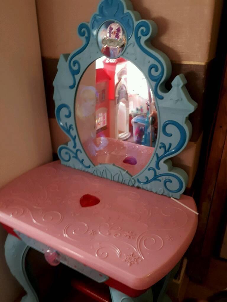 Frozen Vanity Table