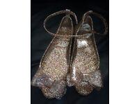 Glittery Gold Jelly Shows - UK 13