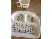 Child's gift set .Ceramic plate and cup. DINING. Snack gift