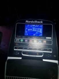 Nordictrak e8.2 elliptical crosstrainer